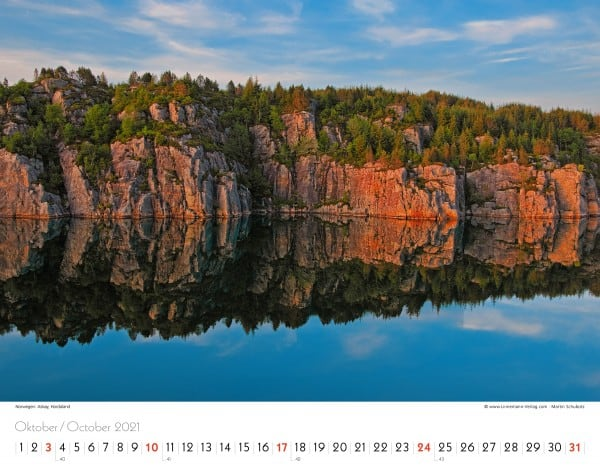 Wall Calendar Silence of the North 2021